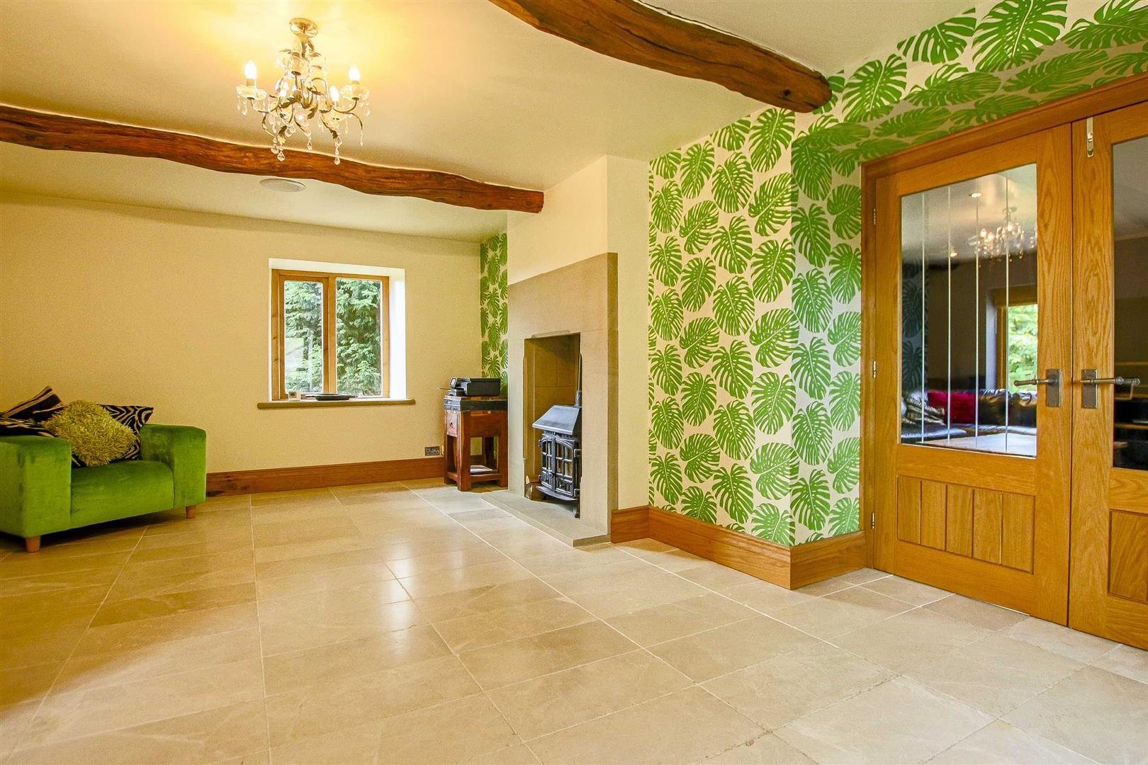 5 Bedroom Cottage For Sale - Image 4